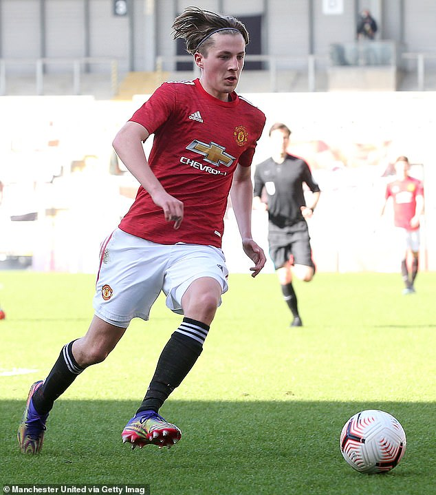 Charlie Savage Playing For Manchester United's Under 17.