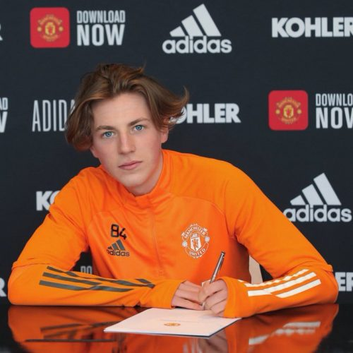 Charlie Savage Signing his first Professional Contract at Manchester United.